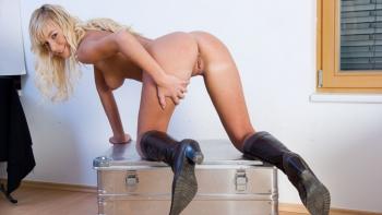 Cam Angel German Pornstar German Tourist Blonde Cam Angel Gets